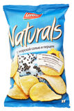 Lorenz Naturals com as microplaquetas de batata de sal & de pimenta do mar ensaca isolado no branco Imagem de Stock Royalty Free