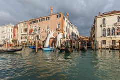 Lorenzo Quinn`s sculpture Support in Venice Royalty Free Stock Photos