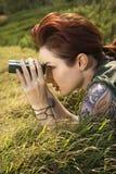 lornetki kobieta Obrazy Stock