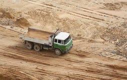 Lorry On en konstruktionsplats Royaltyfri Foto