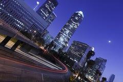 Los Ángeles céntrico bajo claro de luna Imagen de archivo libre de regalías