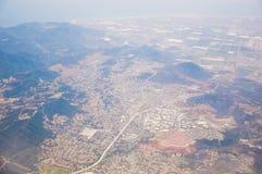 Los Ángeles céntrico, opinión de ojo de pájaro en el día asoleado Foto de archivo libre de regalías