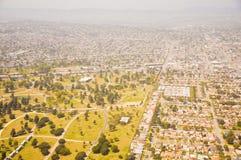 Los Ángeles céntrico, opinión de ojo de pájaro en el día asoleado fotografía de archivo libre de regalías