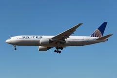 United Airlines Boeing 777-200 fotografía de archivo
