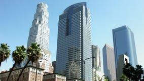 LOS ÁNGELES, CALIFORNIA, LOS E.E.U.U. - 31 DE MAYO DE 2014: Horizonte de Los Ángeles céntrico el 31 de mayo de 2014 en Los Ángele metrajes