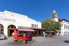LOS ÁNGELES, CALIFORNIA/USA - 10 DE AGOSTO: Carro de la comida cerca del ent Foto de archivo libre de regalías