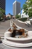 LOS ÁNGELES, CALIFORNIA/USA - 28 DE JULIO: Rascacielos en el Finan Imagen de archivo