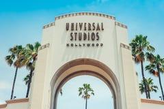 Los Ángeles/California/USA - 07 19 2013: Puerta de la entrada para los estudios universales Hollywood fotos de archivo