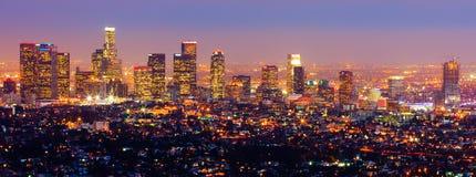 Los Ángeles en la noche imagenes de archivo