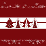 Los árboles de navidad con nieve forman escamas tarjeta roja Fotografía de archivo