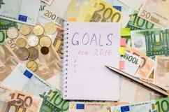 Los Años Nuevos de resoluciones ahorran el dinero Euro Imágenes de archivo libres de regalías