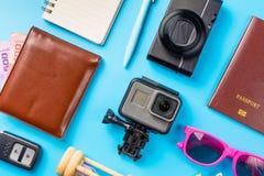 Los accesorios del viaje visten el concepto para el viaje de las vacaciones de verano PA Foto de archivo