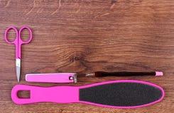 Los accesorios para la manicura o pedicura, concepto de pie, mano y clavo cuidan, copian el espacio para el texto Imágenes de archivo libres de regalías