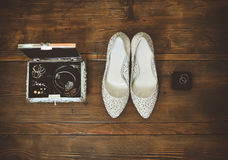 Los accesorios y las joyerías de la novia Foto de archivo