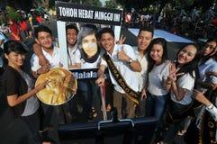 Los activistas indonesios celebran el premio del Premio Nobel de la Paz de Malala Yousafzai Imágenes de archivo libres de regalías