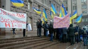 Los activistas protestan contra la construcción de edificios caótica sin la autorización, Kiev, Ucrania, almacen de video