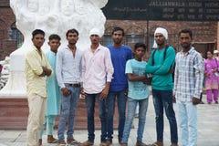 Los adolescentes indios les gusta tomar photoes Fotografía de archivo libre de regalías