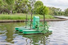 Los aeradores superficiales, uso para hacen las aguas residuales al agua potable Fotografía de archivo libre de regalías