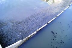 Los agentes contaminadores del agua imagen de archivo