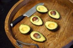 Los aguacates maduros tienen un montón de vitaminas foto de archivo libre de regalías