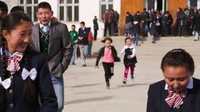 Los alumnos van para un paseo de la escuela metrajes