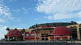 Los Angeles Angel Stadium avec les chapeaux géants Image libre de droits
