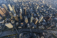 Los Angeles-Autobahn ragt Antenne hoch Stockbilder