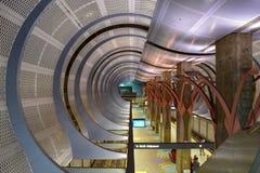 Los Angeles, Califórnia, EUA - 4 de janeiro de 2019: Estação de metro Hollywood/montanhas fotos de stock royalty free