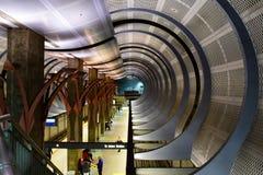 Los Angeles, Califórnia, EUA - 4 de janeiro de 2019: Estação de metro Hollywood/montanhas fotografia de stock royalty free