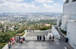 Los Angeles, Califórnia/EUA - 12 de junho de 2017: Vista aérea de Los Angeles do centro Local de observação de Griffith Observato Imagens de Stock