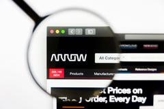 Los Angeles, Califórnia, EUA - 12 de março de 2019: Editorial ilustrativo, homepage do Web site de Arrow Electronics seta imagem de stock royalty free