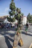 Los Angeles, Califórnia, EUA, o 19 de janeiro de 2015, 30o Martin Luther King Jr anual Parada do dia do reino, pessoa da árvore Fotos de Stock Royalty Free