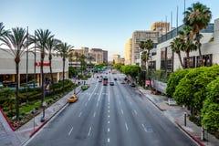LOS ANGELES, CALIFORNIA/USA - 28 JULI: Verkeer in Los Angeles Stock Foto