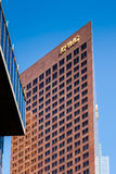 LOS ANGELES, CALIFORNIA/USA - LIPIEC 28: KPMG budynek w żebrze Obrazy Stock