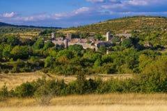 Los Angeles Couvertoirade Średniowieczny warowny miasteczko w Francja obraz stock