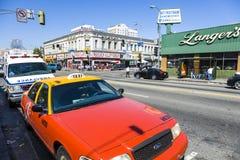 Opinião do meio-dia ao cruzamento na parte mexicana do LA em Langers Imagem de Stock