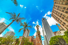 Los Angeles do centro sob um céu azul fotos de stock