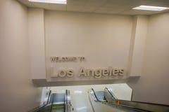 LOS ANGELES, EEUU, JANVIER, 29, 2018 : Vue d'intérieur d'un signe bienvenu à l'aéroport international de Los Angeles Photo libre de droits