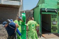 LOS ANGELES, Etats-Unis - 5 août 2014 - vert soigne le marjuana médical en plage de Venise photographie stock