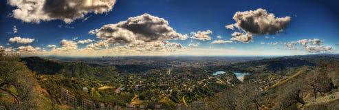 Los Angeles från den Hollywood kullen arkivbild