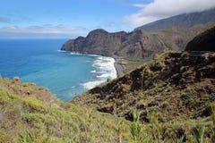 LOS ANGELES GOMERA, HISZPANIA: Dziki wybrzeże między Agulo i Hermigua z plażą Hermigua Obraz Royalty Free