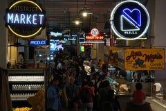 Los Angeles Grand Central marknadsinre under en upptagna Afternoo arkivbilder