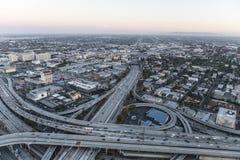 Los Angeles hamn och Santa Monica Freeways After Sunset Royaltyfri Foto