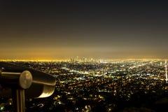 Los Angeles horisont på natten från Griffith Observatory Arkivbild
