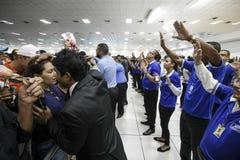 Los Angeles Igreja Mundial robimy Poder De Deus - ręki narzucenie dla cudu Brasil, San - Paolo - zdjęcie stock