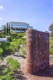 Los Angeles Jolla, Kalifornia, usa - Kwiecień 3, 2017: Książkowy zabytek blisko do Geisel biblioteki przy uniwersytetem kaliforni obrazy royalty free