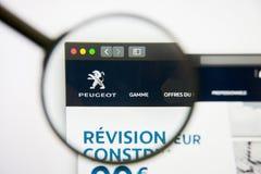 Los Angeles, Kalifornia, usa - 14 2019 Luty: Peugeot strony internetowej homepage Peugeot logo widoczny na monitoru ekranie zdjęcia royalty free