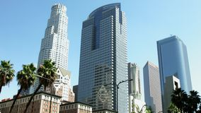 LOS ANGELES, KALIFORNIEN, USA - 31. MAI 2014: Skyline von Los Angeles im Stadtzentrum gelegen am 31. Mai 2014 in Los Angeles, Kal stock footage