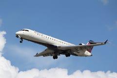 Bombardiere CRJ-701 del collegamento di delta (Comair) Fotografia Stock Libera da Diritti