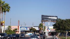 LOS ANGELES, la CALIFORNIE, Etats-Unis - 9 octobre 2014 : Faites le tour du débarquement montré par N629CZ d'Embraer 175LR MSN 23 Images stock